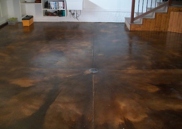 Hd staining garage floor ideas with acid stain in a garage for Garage ad stains