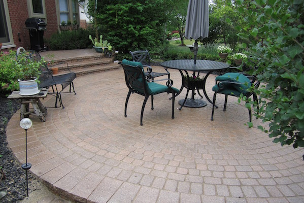 pavers-patio-and-steps-sealed